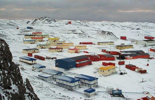 Villa_Las_Estrellas_(Chilean_Antarctic_Territory)